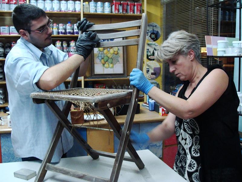 Προετοιμασία παλιάς καρέκλας για βάψιμο με Chalk Paint